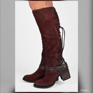 Freebird Coal boots wine size 10